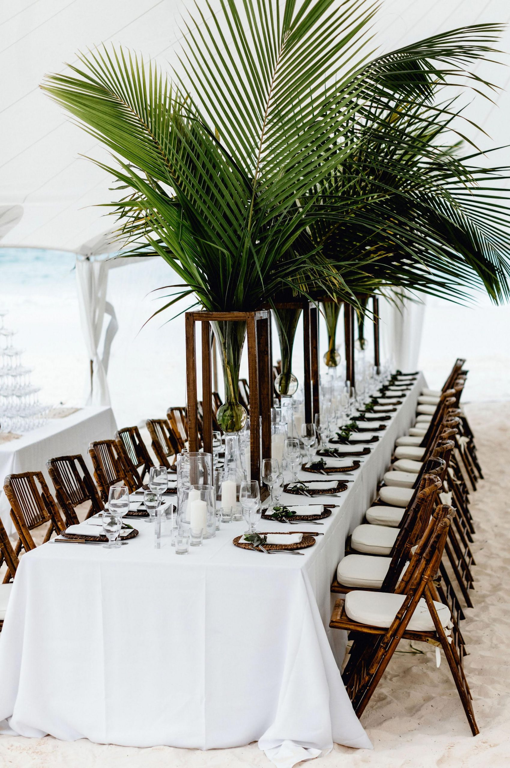 ALL ABOUT THE TROPICAL WEDDING STYLE