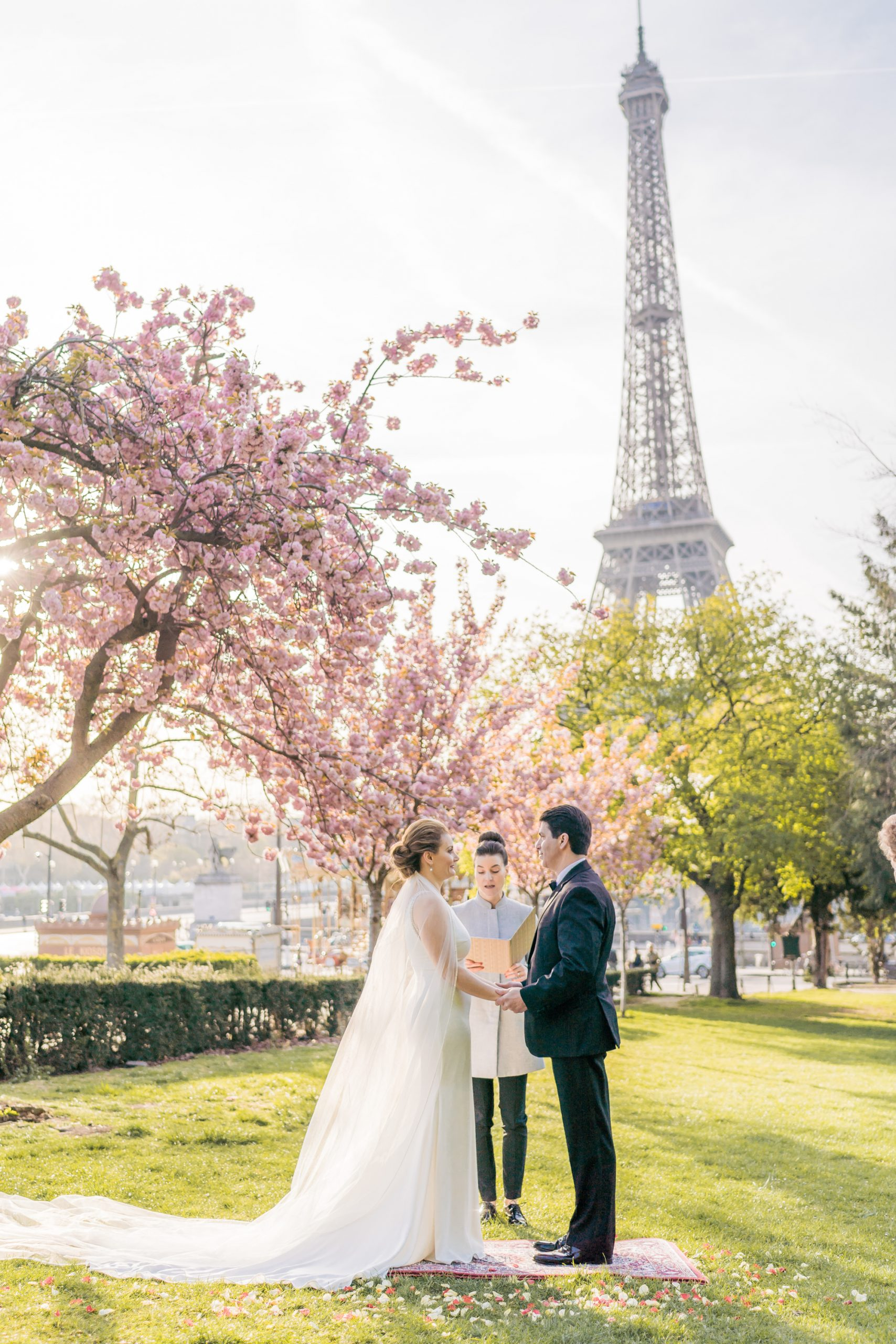 AN INTIMATE CEREMONY AMONGST THE CHERRY BLOSSOMS IN PARIS