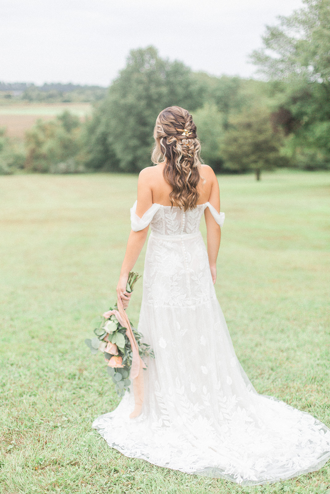Dreamy Autumn Inspired Wedding Inspiration in New Jersey as photographed by Kevin & Aly Photography