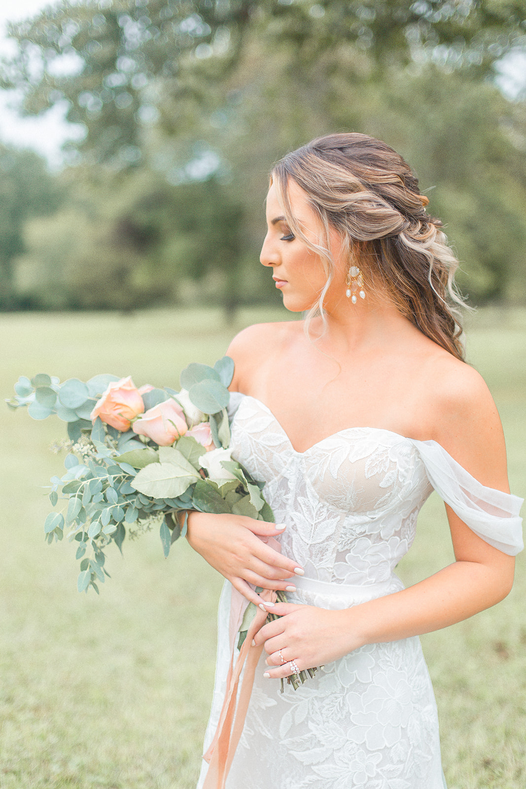 Dreamy Autumn Intimate Wedding Floral Inspiration as photographed by Kevin & Aly Photography